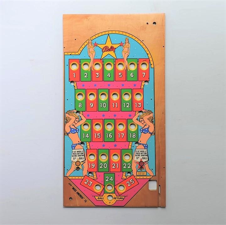 pin-up knikkerbaan flipperkast front bally ball game  1975