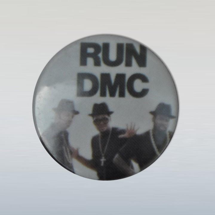 run dmc button pin 1980s GRATIS VERZENDEN