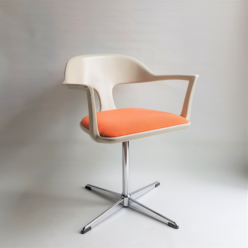 stoel draaistoel chair space age EMÜ germany 1972