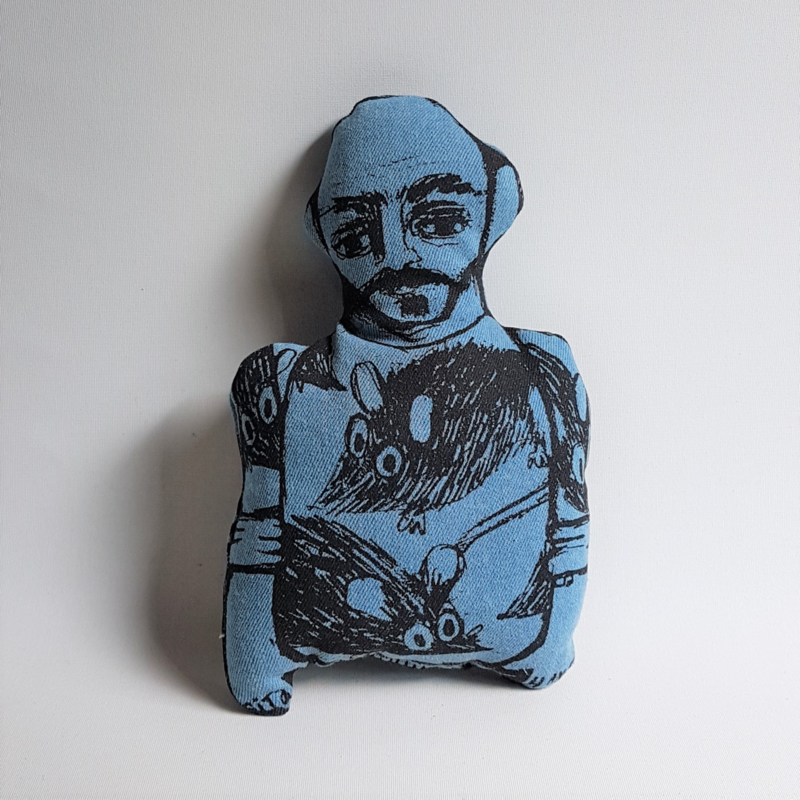 kussen pop pillow doll bas kosters studio textile art
