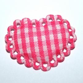 Felroze / wit stoffen ruit hartje met kantje ~ 1 stuks