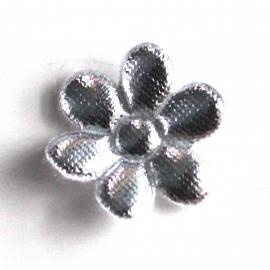 zilver bloem (15mm) 2 stuks