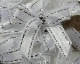 strikje wit / zilver met kraaltjes