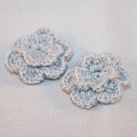 Dubbellaags grijs gehaakte bloemen p/s