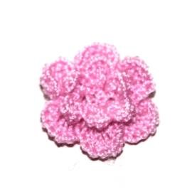 Dubbellaags framboos roze gehaakte bloemen p/s
