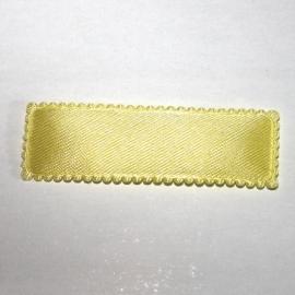 Gele satijn kniphoesje  vierkant