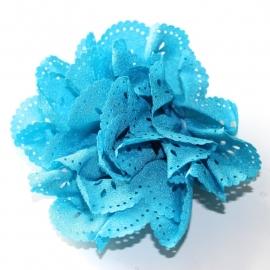 Bloem met gaatjes turq blauw(7cm)