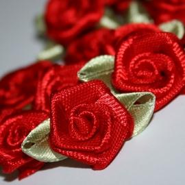 Roosje van satijn met blad rood