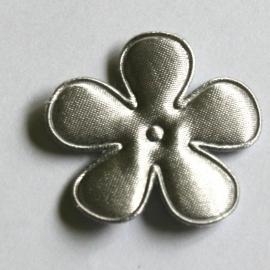 35mm satijn bloem zilver