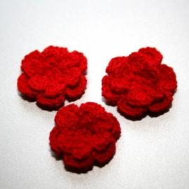 Dubbellaags ROOD gehaakte bloemen p/s
