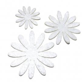 Vilten bloementje wit (kies maat)