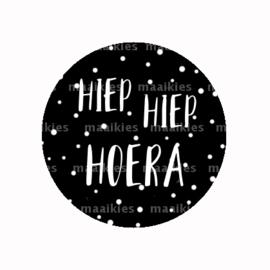 (FB798) HIEP HIEP HOERA ZWART