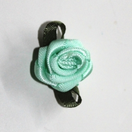 Super kwaliteit roosjes mint met blad 15mm