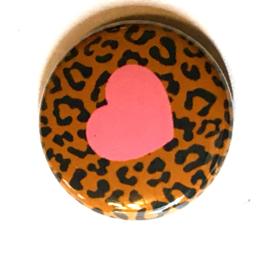 (FB923) leopard bruin roze hart