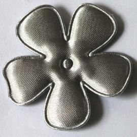 47mm zilvergrijs satijn bloem
