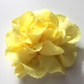 Bloem met gaatjes geel