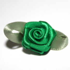 Super kwaliteit roosjes groen met blad 15mm