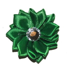Satijn bloem groen met strass steentje