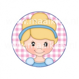 (FB143) prinses met diadeem II