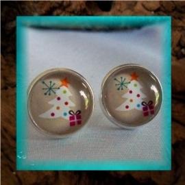 Oorbellen handgemaakt met glascabochon - kerstboom met cadeautje