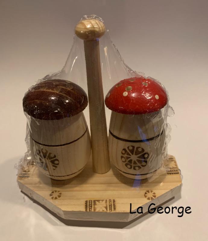 Set solniţă / piperniţă din lemn (ciupercă)