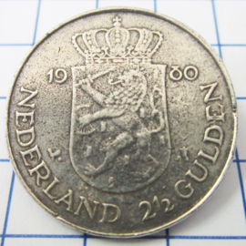 MB001 Broche rijksdaalder met dubbele kop Juliana/Beatrix  1980 verzilverd
