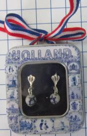OOR140 oorbellen delftsblauw handgeschilderd molenkraaltje