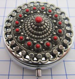 ZKG436-R pillendoosje Zeeuwse knoop oogjesrand zwaar verzilverd rode emaille