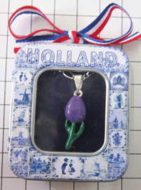 HAN 118 kettinkje met verzilverd hangertje tulpje paarse emaille