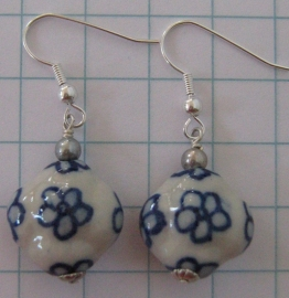 oorbellen delftsblauw bloemetje