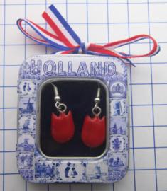 OOR133 oorbellen rode tulp
