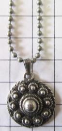 ketting zeeuwse knop plat met rand met bolletjesketting ZKH609