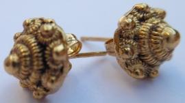 zeeuwse knopjes oorstekers verguld   EAN= 0087184814685 geplaatst