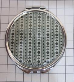 SPI 012 spiegeldoosje zeeuws schortenbont