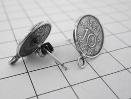 oorstekers dubbeltje verzilverd om zelf iets aan te hangen