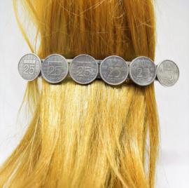Haarspeld groot, met 6 verzilverde kwartjes 10 cm lengte