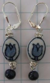 OOR 201 delftsblauwe oorbellen tulpje met strassrondelle