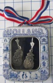 OOR137 oorbellen wapen Holland verzilverd