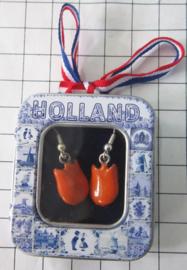 OOR132 oorbellen oranje tulp
