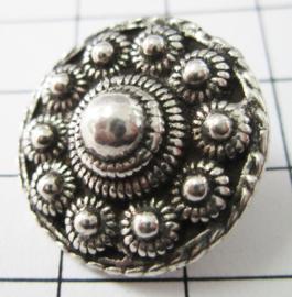 kledingknoop middel plat Zeeuwse knoop, oog achterkant ZKK804 22 mm doorsnede