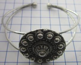 ZKA515 buigarmband zeeuwse knoop bloemvorm zwaar verzilverd