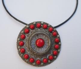 Reusachtige Zeeuwse knoop hanger met rode emaille ZKH061-R    EAN= 0087184814647 geplaatst