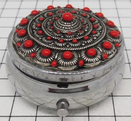ZKG405-R pillendoosje met spiegel Zeeuwse knop bolletjesranden en rode emaille