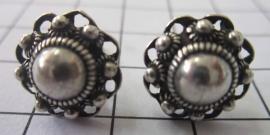 middelgrote Zeeuwse knop oorstekers met oogjesrand ZKO713