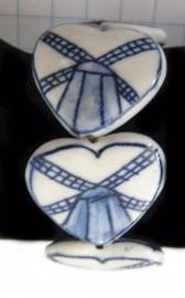 ARM 107 delftsblauwe harten/molen armband, handgeschilderd.