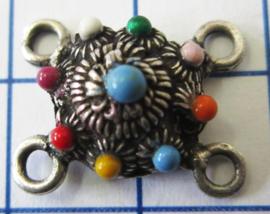 ZB012-MC zeeuws knoopje verzilverd 4 oogjes met vrolijke regenboogkleuren emaille