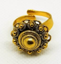 vergulde Zeeuwse knop ring met oogjesrand zkr304-g  EAN 8718481420164 geplaatst