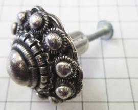 prachtige zeer exclusieve kastknop Zeeuwse knop zwaar verzilverd ZKG407