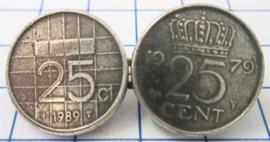 MB003 Broche twee kwartjes willekeurig jaartal, verzilverd