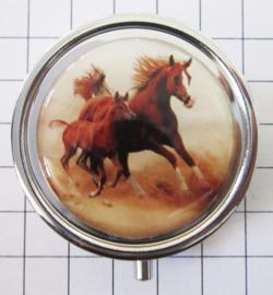 PIL 394 paard en veulen pillendoosje